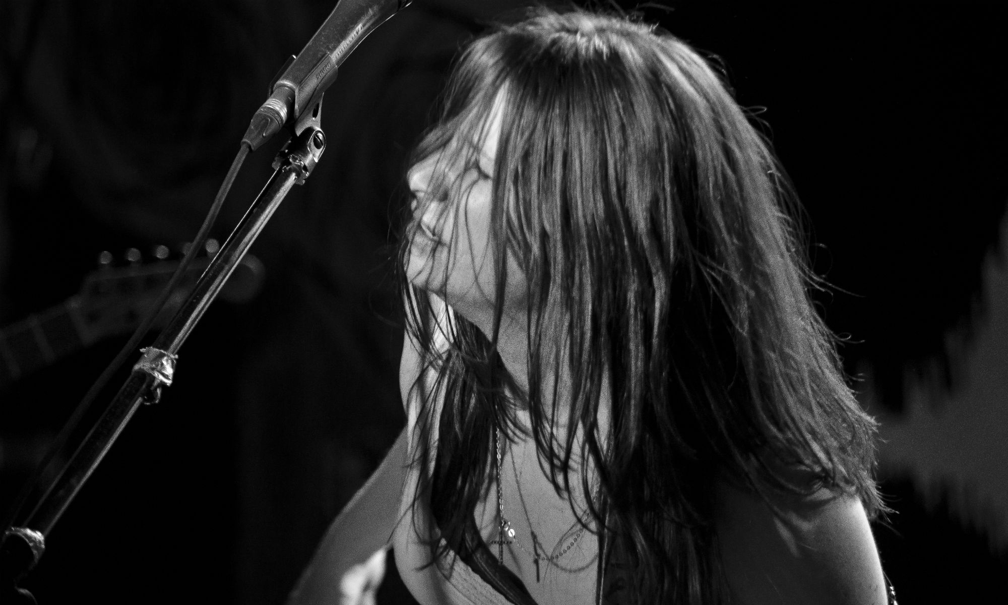 MENA HARDY - OFFICIAL BAND SITE